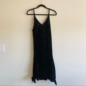 Leith v neck sleeveless long black dress